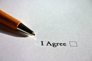 Make sure both parties agree on all contract terms. (Photo credit: Pixabay)